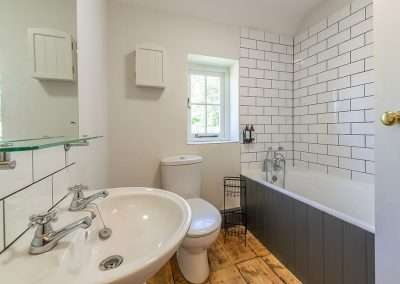 Park Cottage bathroom