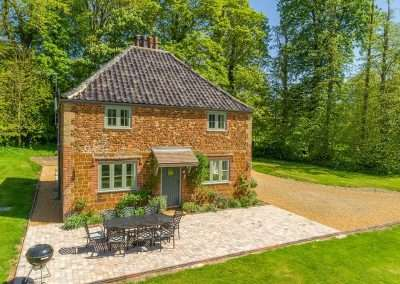 Park Cottage, a secluded holiday cottage in Norfolk that sleeps 6